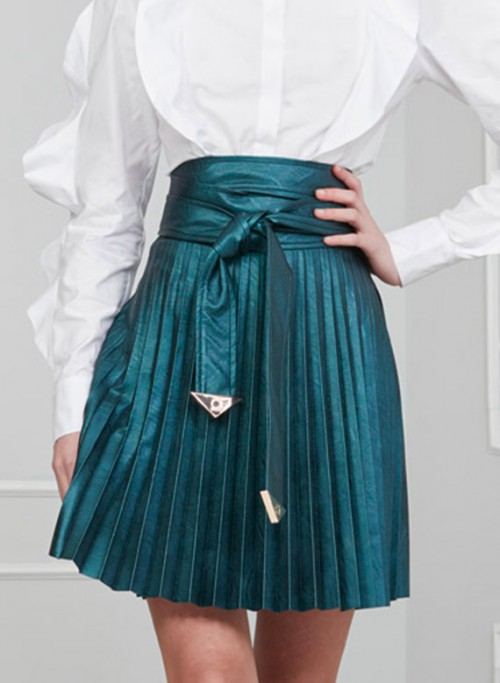 Skirt in eco leather