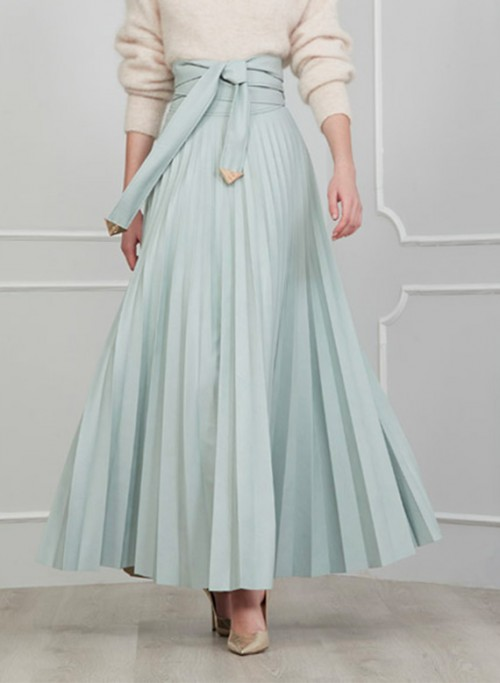 Long skirt in eco leather